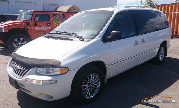 2000 Chrysler Town & Country AWD